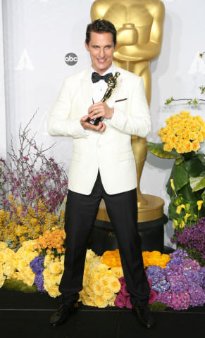 Matthew McConaughey - Hollywood - 02-03-2014 - Matthew McConaughey, a ogni evento il suo colore