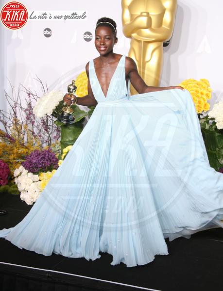 Lupita Nyong'o - Hollywood - 02-03-2014 - Ispirazione Cenerentola sul tappeto rosso
