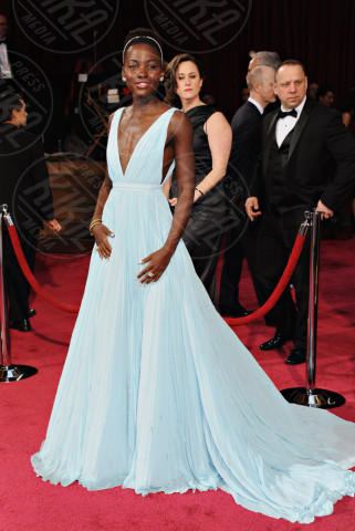 Lupita Nyong'o - Hollywood - 02-03-2014 - Oscar dell'eleganza 2010-2014: 5 anni di best dressed