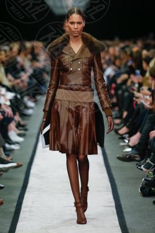 Modella Givenchy - Parigi - 03-03-2014 - Parigi Fashion Week: la sfilata Givenchy