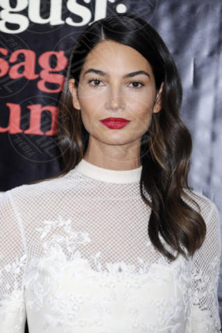 Lily Aldridge - New York - 12-12-2013 - Allison Williams e Lily Aldridge: chi lo indossa meglio?