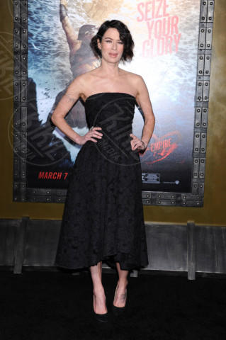 Lena Headey - Hollywood - 04-03-2014 - Vita stretta e gonna ampia: bentornati anni '50!