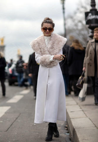 Natalia Alaverdian - Parigi - 04-03-2014 - En pendant con l'inverno con un cappotto bianco