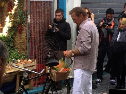Kevin Costner - Amalfi - 05-03-2014 - Estate 2019: i vip turisti abituali in Italia