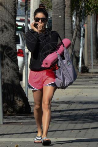 Vanessa Hudgens - Hollywood - 09-03-2014 - Ma dove vai... se lo yoga non lo fai?