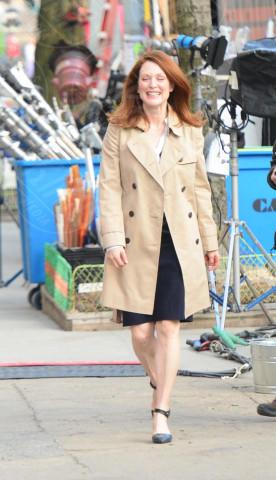 Julianne Moore - New York - 11-03-2014 - L'autunno è alle porte: è tempo di trench!