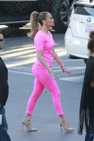 Jennifer Lopez - Los Angeles - 12-03-2014 - Questa primavera mi vesto color sorbetto!