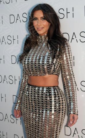 Kim Kardashian - Miami Beach - 12-03-2014 - Kim Kardashian: la vita le va stretta, gli abiti anche!