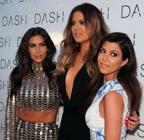 Khloe Kardashian, Kourtney Kardashian, Kim Kardashian - Miami Beach - 12-03-2014 - Kim Kardashian: la vita le va stretta, gli abiti anche!