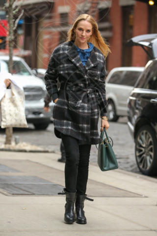Uma Thurman - New York - 12-03-2014 - Basta tinta unita! Colora l'inverno con un cappotto fantasia!