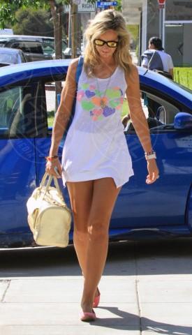 Lady Victoria Hervey - Los Angeles - 12-03-2014 - Lo streetstyle è più malizioso con una minigonna