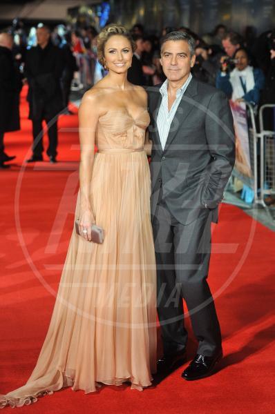 Stacy Keibler, George Clooney - Londra - 20-10-2011 - George Clooney papà: tutte le ex fidanzate