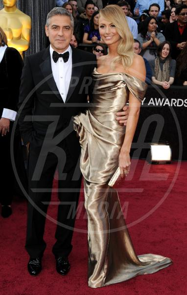 Stacy Keibler, George Clooney - Hollywood - 26-02-2012 - George Clooney papà: tutte le ex fidanzate