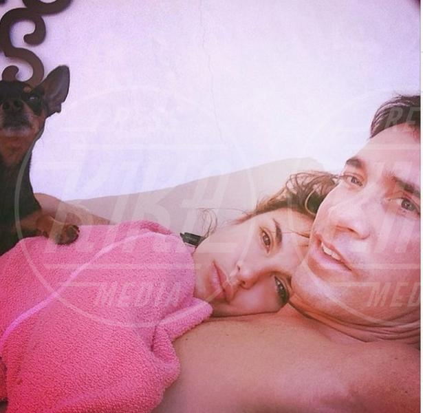 Brian Perri, Elisabetta Canalis - Los Angeles - 19-03-2014 - Elisabetta Canalis: imbronciata per le nozze annullate