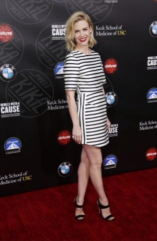 January Jones - Los Angeles - 20-03-2014 - Tutte in riga black&white come Amal Alamuddin!
