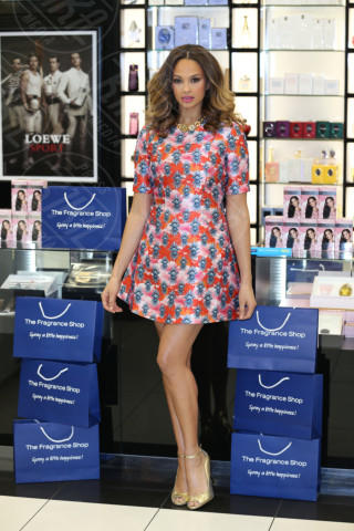 Alesha Dixon - Londra - 08-03-2014 - L'abito dell'estate? Il corolla dress, sexy e bon ton!
