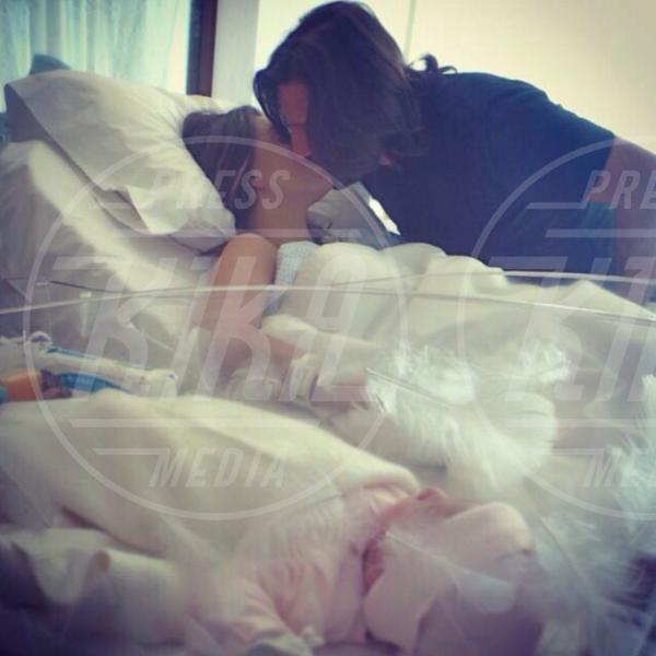Arnaud Mimran, Claudia Galanti - 21-03-2014 - I neonati diventano star in rete grazie al Childbirth-selfie
