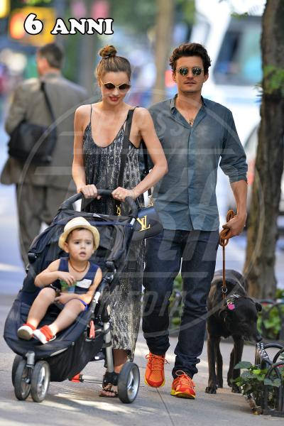 Flynn Bloom, Miranda Kerr, Orlando Bloom - New York - 04-07-2013 - C'eravamo tanto (e a lungo) amati, ma ora ci lasciamo