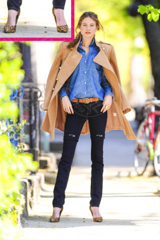 Behati Prinsloo - New York - 02-05-2013 - Primavera 2014: mai più senza… un accessorio animalier!