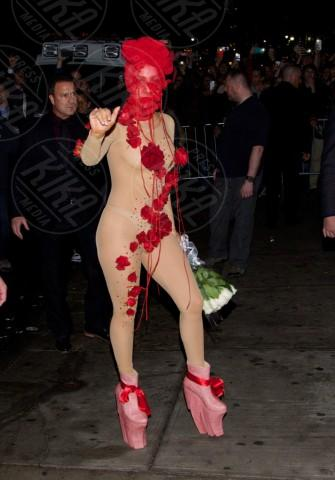 Lady Gaga - New York - 29-03-2014 - Ma come ti vesti? Le 10 cose più strane indossate dalle star