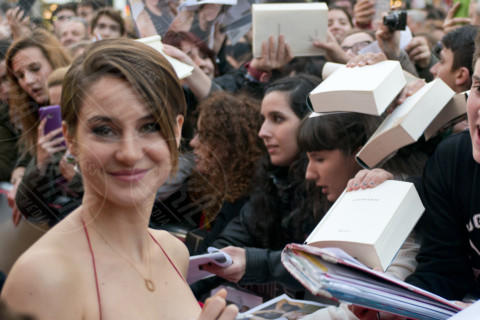 Shailene Woodley - Madrid - 03-04-2014 - Woodley-James: quando il set e' galeotto