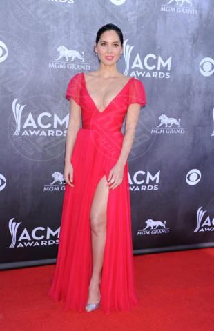 Olivia Munn - Las Vegas - 06-04-2014 - Le gambe: elementi di fascino da ostentare anche d'inverno
