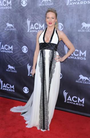 Jewel - Las Vegas - 06-04-2014 - Bianco e nero: un classico sul tappeto rosso!