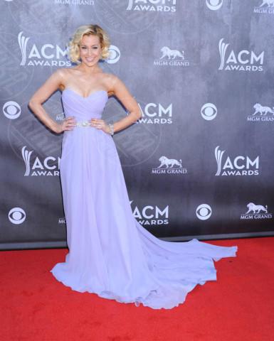 Kellie Pickler - Las Vegas - 06-04-2014 - Ispirazione Cenerentola sul tappeto rosso