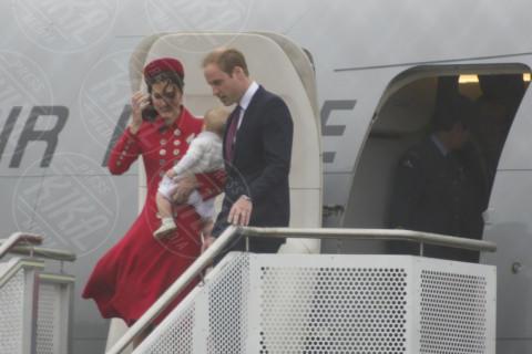 Principe George, Principe William, Kate Middleton - Wellington - 06-04-2014 - Prima spedizione oltre i confini per il principino George