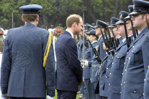 Principe William - Wellington - 07-04-2014 - Prima spedizione oltre i confini per il principino George