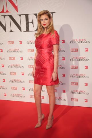 Kate Upton - Munich - 07-04-2014 - Emma Roberts e Kate Upton: chi lo indossa meglio?