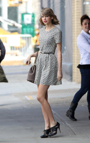 Taylor Swift - New York - 09-04-2014 - Si scrive street-style chic, si legge… Taylor Swift!