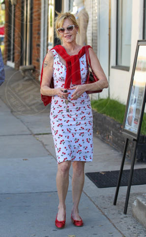 Melanie Griffith - Los Angeles - 09-04-2014 - L'estate addosso? Vestiti come Reese Witherspoon