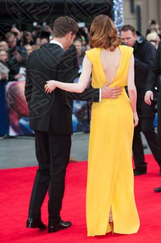Emma Stone, Andrew Garfield - Londra - 10-04-2014 - Vade retro abito! Emma Stone in Atelier Versace