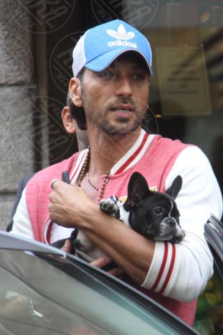 Costantino Vitagliano - Milano - 11-04-2014 - Star come noi: la vita non è la stessa senza un cane