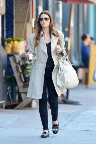 Jessica Biel - New York - 12-04-2014 - L'autunno è alle porte: è tempo di trench!