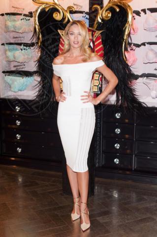 Candice Swanepoel - Londra - 15-04-2014 - Non solo LBD: oggi il tubino è anche bianco!