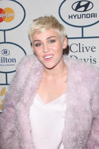Miley Cyrus - Beverly Hills - 26-01-2014 - Miley Cyrus: una malata immaginaria?
