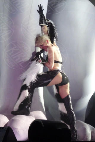Miley Cyrus - Los Angeles - 20-02-2014 - Miley Cyrus: una malata immaginaria?