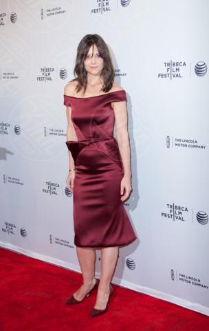 Katie Holmes - New York - 21-04-2014 - Le celebrity? Tutte pazze per il bordeaux…