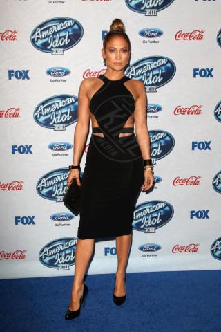 Jennifer Lopez - Los Angeles - 20-02-2014 - Ha quasi 50 anni ma sul red carpet la più sexy è sempre lei