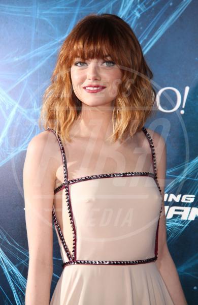 Emma Stone - New York - 24-04-2014 - Reggiseno? No grazie, le star lasciano intravedere tutto