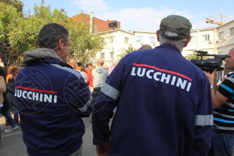 """Comizio Beppe Grillo - Piombino - 26-04-2014 - Grillo a Piombino: """"Celebriamo la morte dei sindacati"""""""