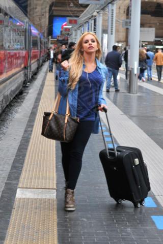 Veronica Graf - Milano - 27-04-2014 - In carrozza! Anche il viaggio ha il suo dress code