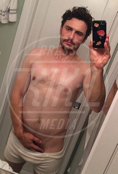 James Franco - Los Angeles - 01-05-2014 - Mario Cipollini nudo, i vip si mostrano come mamma li ha fatti