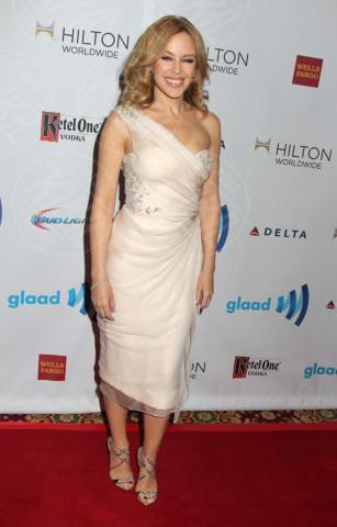 Kylie Minogue - New York - 04-05-2014 - Sul red carpet come una dea: il ritorno del monospalla