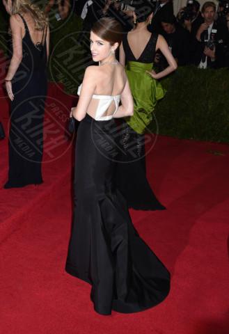 Anna Kendrick - New York - 05-05-2014 - Bianco e nero: un classico sul tappeto rosso!