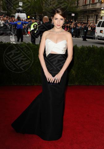 Anna Kendrick - New York - 05-05-2014 - MET Gala: bianco e nero, un classico sul tappeto rosso