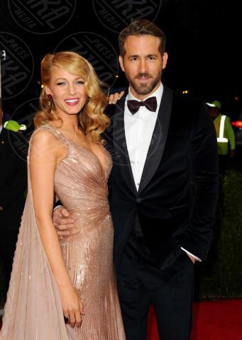 Blake Lively, Ryan Reynolds - New York - 05-05-2014 - Blake Lively è incinta: ecco la foto del pancione