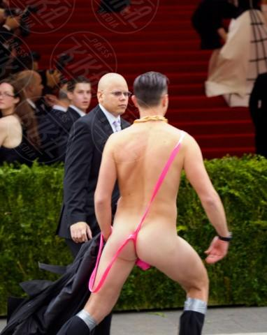 Mankini man - New York - 05-05-2014 - Fatemi entrare, ve lo do io il Met Gala